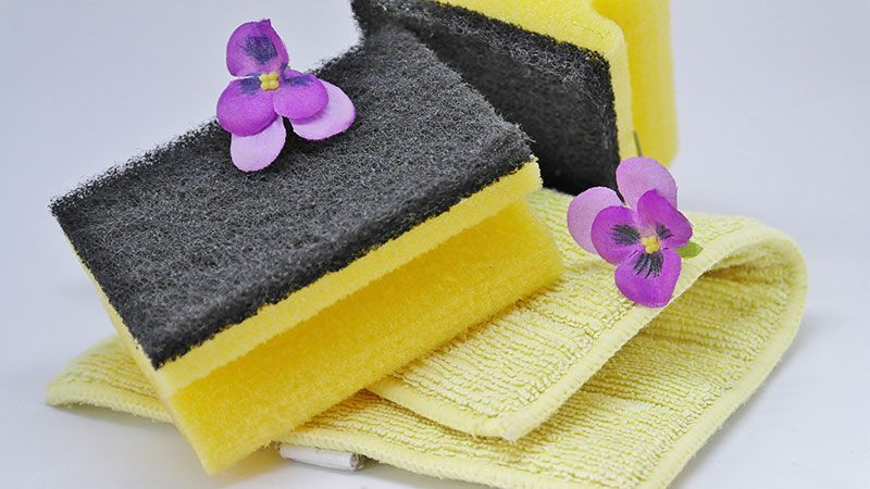 A Quick and Easy Guide for Spring Cleaning Your Bathroom and Kitchen