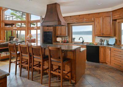 Wood Grain Kitchen Cabinets with Island