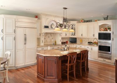 Traditional Kitchen with Island