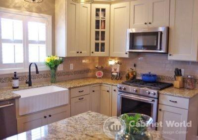 Kitchen Design with Farmhouse Sink