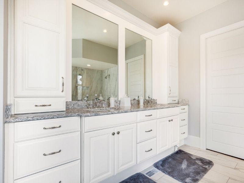 8 Ways to a Family-Friendly Bathroom Design