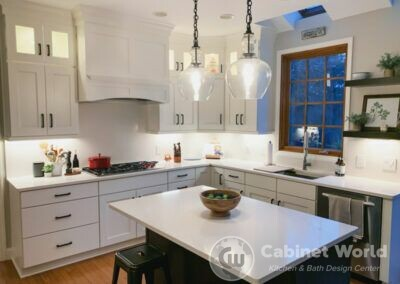 Modern Kitchen & Laundry Design by Charo Hunt