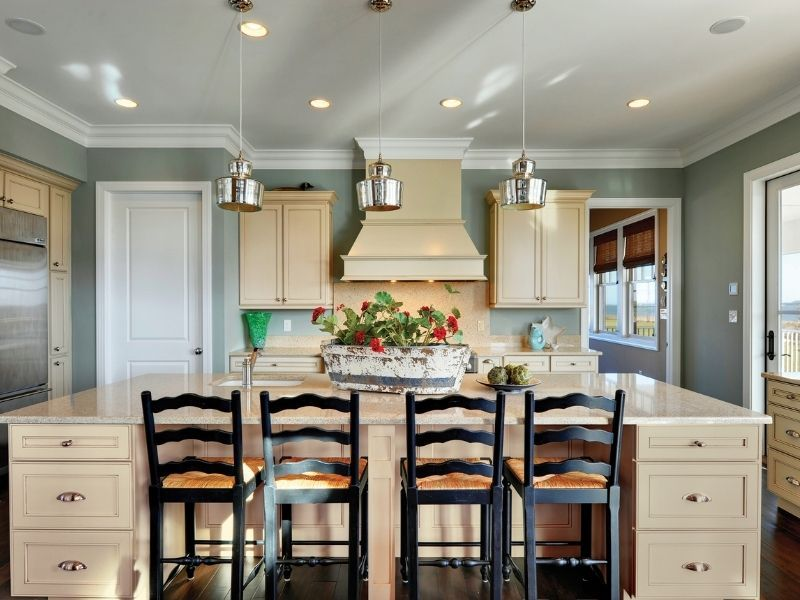 10 Alternatives to White Kitchens